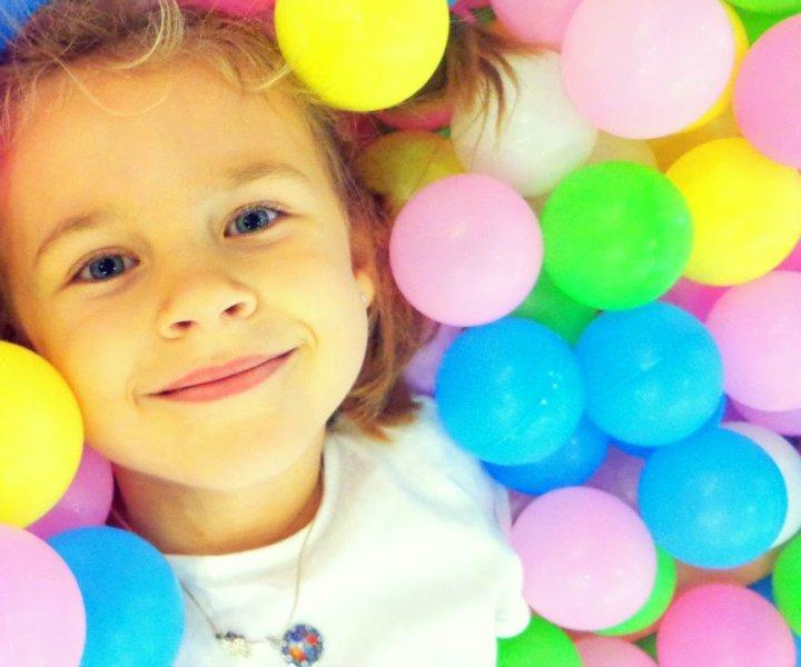 Занятия музыкой - это самый лучший инструмент развития в ребенке уверенности, целеустремленность, внимательности и организованности. Это залог здоровья и жизнерадостности. Музыка дарит счастья! Все упражнения будут проходить в легкой игровой форме.