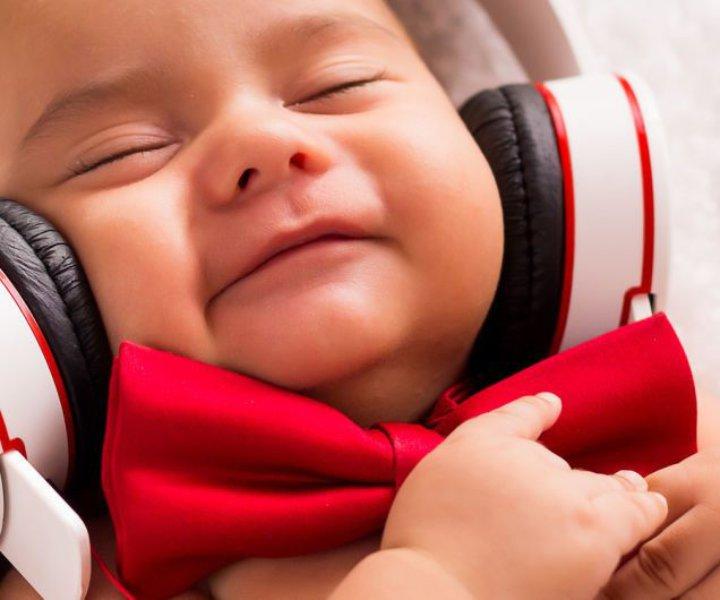 Как развить музыкальный слух? Эффективные упражнения для развития музыкального слуха. Тренируйся и совершенствуй свой  слух, учись петь и распознавать ноты.
