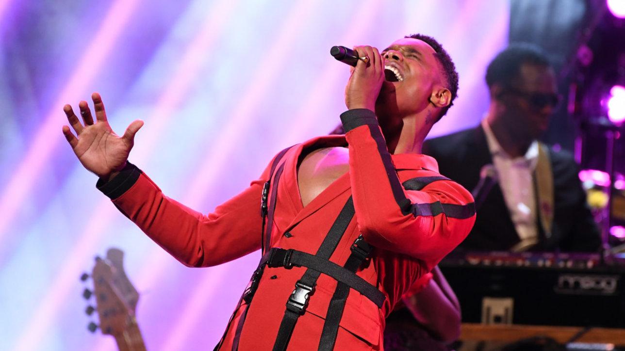 Avery Wilson-именно  тот участник, чьё выступление на The Voice USA в свое время не вызвало  ощущения чего-то необычного, хотя выглядело вполне достойным.